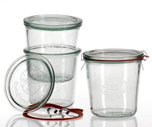 Les authentiques bocaux de conserve en verre