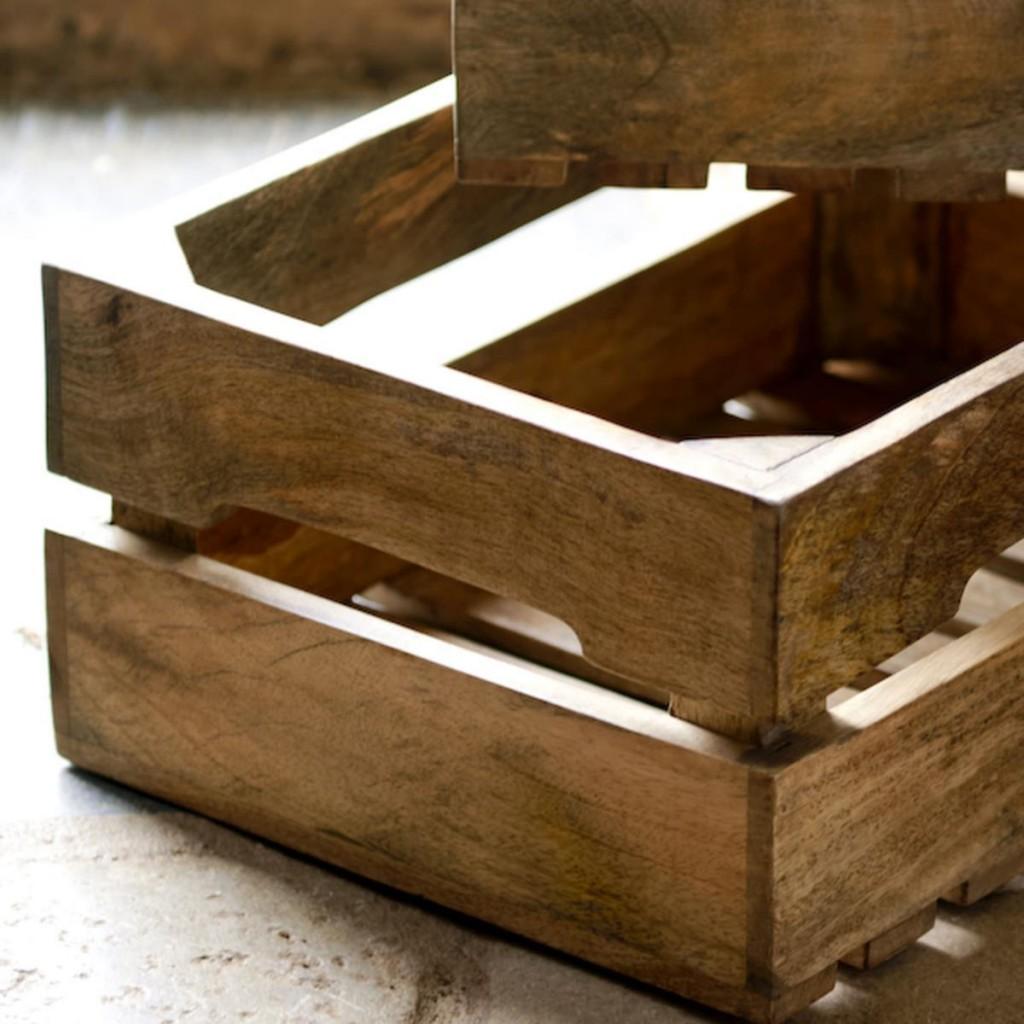 Les caisses en bois de manguier marron