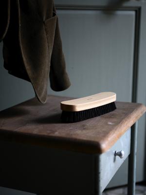 Les traditionnelles brosses en bois – Andrée Jardin