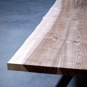 Le bois des tables Artmeta