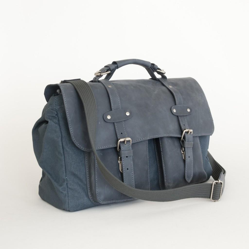 Le sac en toile de camionnette Peugeot 403 bleu
