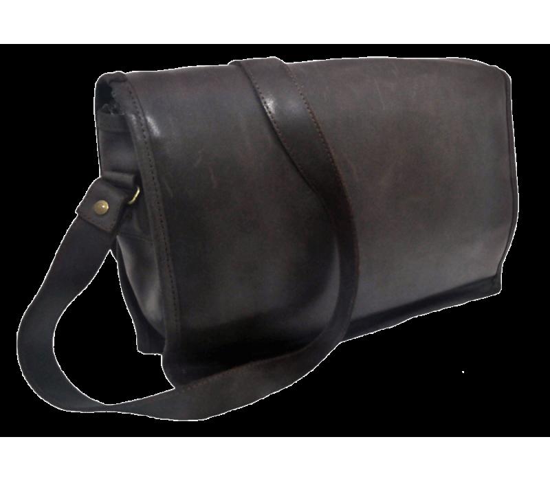 Sacoche en bandoulière en cuir fabriquée en france - Code Postal