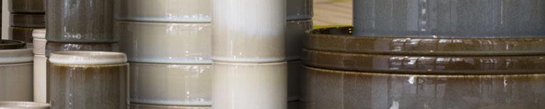 La vaisselle cylindrique en terre cuite