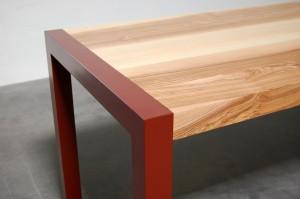 Table en bois et métal constante armeta rouge