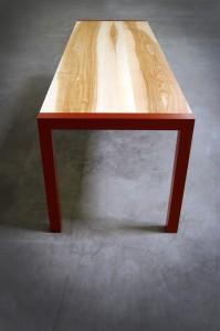 Table en bois et métal constante armeta rouge-vue de haut