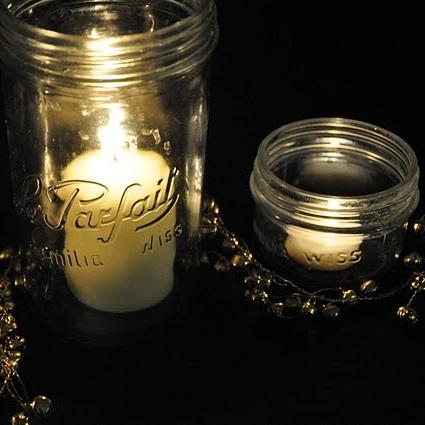 bougies dans des bocaux le parfait