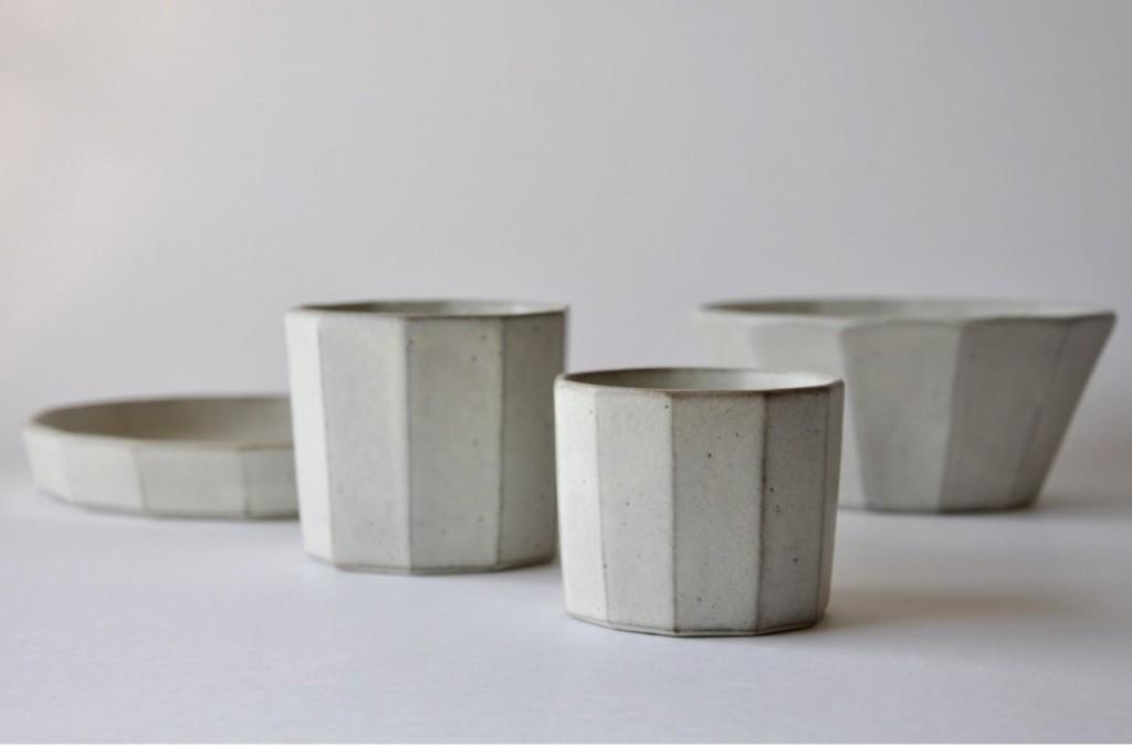 Vaisselle beige en céramique artisanale japonaise – Keiichi Tanaka