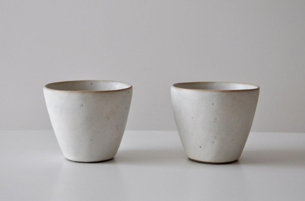 Vaisselle blanche grise en céramique artisanale japonaise – Keiichi Tanaka