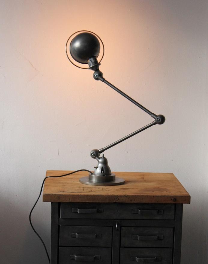 les lampes deux bras en m tal jielde header. Black Bedroom Furniture Sets. Home Design Ideas