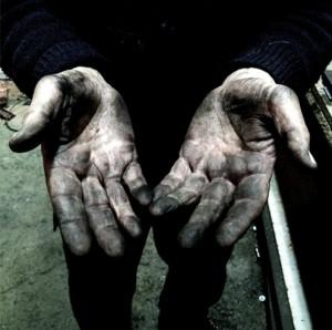 les mains de l'artisans Arxe
