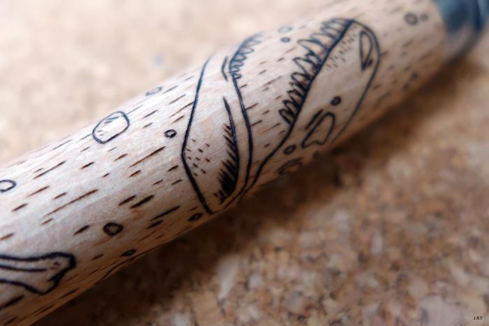 La gravure sur bois des opinels - Blanc et Blanc