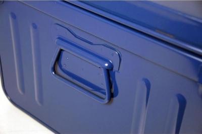poignée d'ouverture de la malle pierre henry bleue