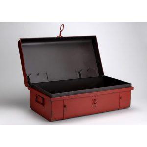 Malle rouge Amadeus ouverte fond noir