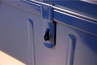 système d'ouverture de la malle pierre henry bleue métallique