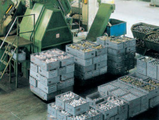 Les bacs en métal industriels